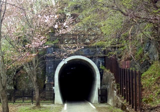 神居古潭トンネル