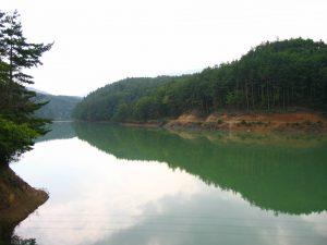 塩尻市沓沢湖