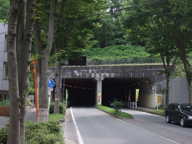 千秋トンネル