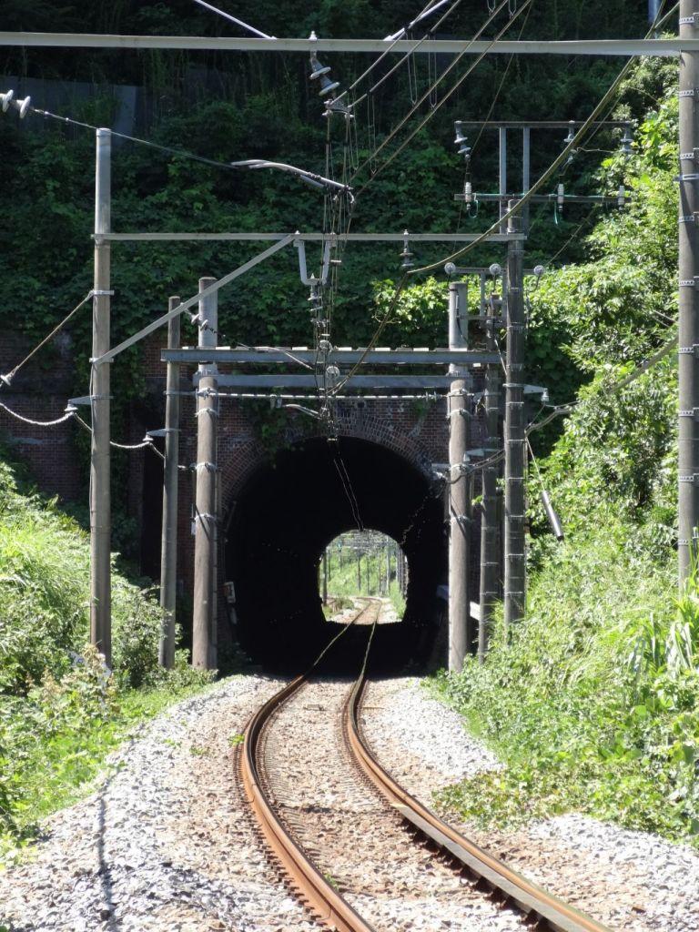 湯の花トンネル