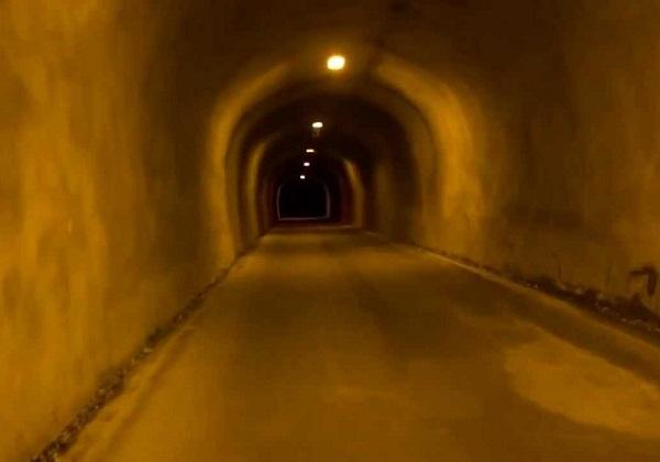 旧割石トンネル