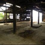 道後温泉裏の木造廃墟
