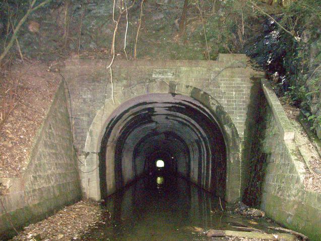 旧鳥越トンネル