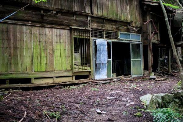 佐賀県最強心霊スポット「イノチャン山荘」の隠された歴史とは?