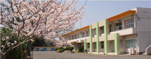 国東小学校